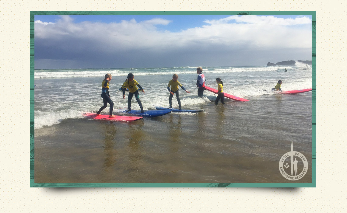 cours collectifs de surf guethary
